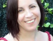 Adriana Rubens nos habla de su novela Puerta con puerta