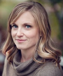 Julianne Donaldson: Entrevista